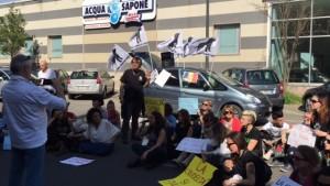 Presidio di protesta davanti al Consolato Ucraino a Milano